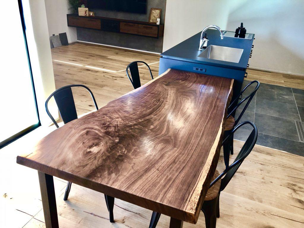 ラックウォールナットテーブル