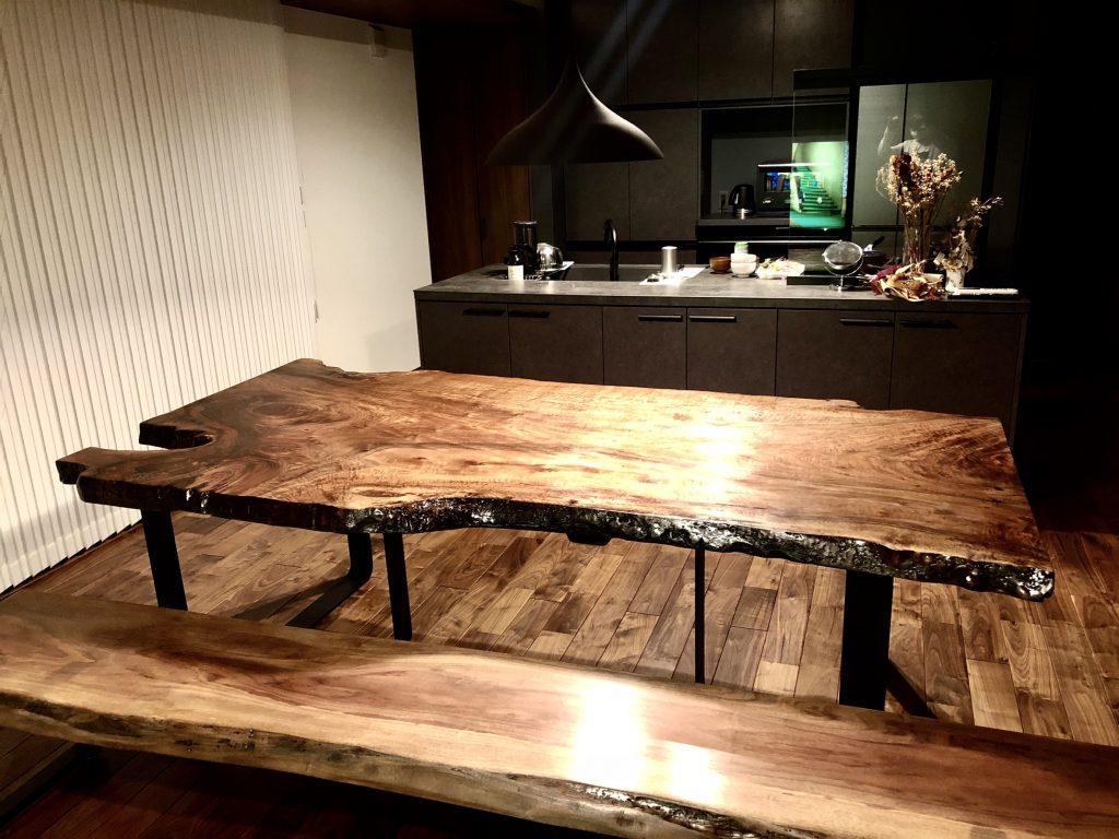 バストゥーンウォールナット テーブル